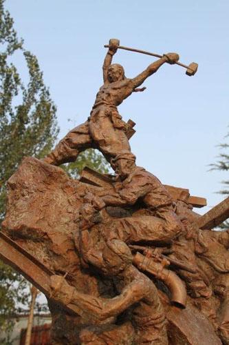 宇达集团承制青铜雕塑《开路先锋》被中国华侨历史博物馆收藏